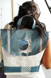 solar-schoolbag-2